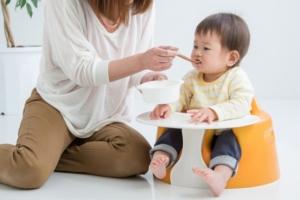 子供の食事の様子